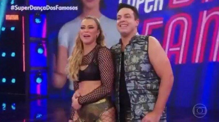 André Marques fica desconcertado com Paolla Oliveira dançando funk |  Televisão | O Dia