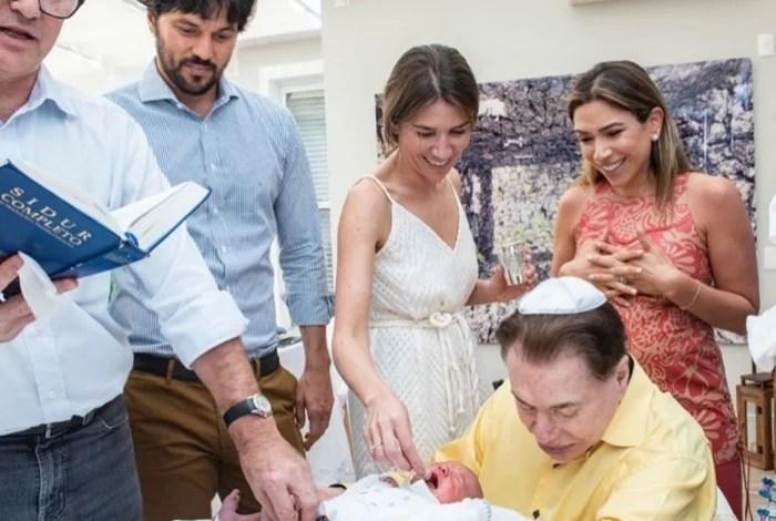 1 pat 3 10780255 - Filho recém-nascido de Patrícia Abravanel é circuncidado ao lado do avô Silvio Santos