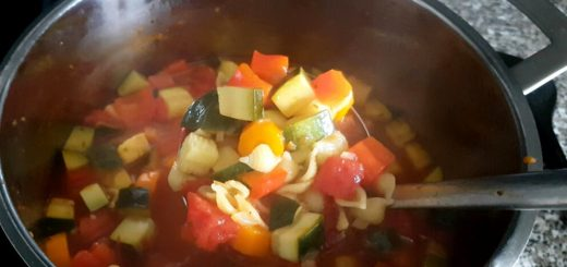 Gemüseeintopf im Sommer