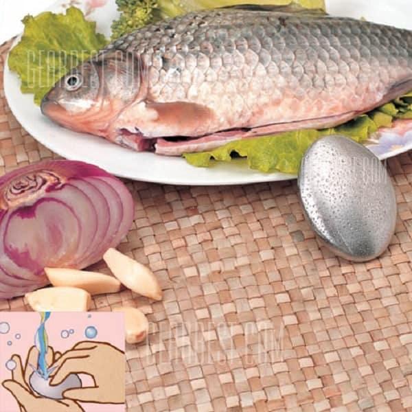l odeur de poisson ne resiste pas a ce