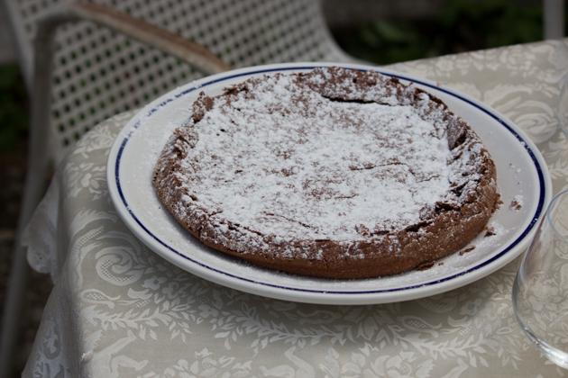 TORTA BAROZZI(巧克力、杏仁、朗姆和咖啡蛋糕)