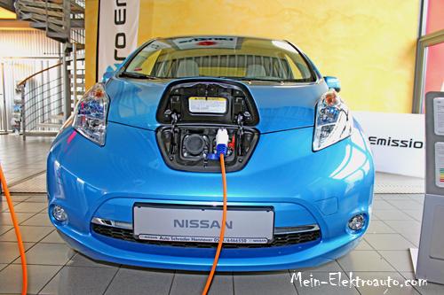 Dies ist das Elektroauto Nissan Leaf.