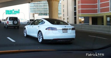 Das Elektroauto Tesla Model S in Dubai. Bildquelle: User Patrick3331 auf Youtube