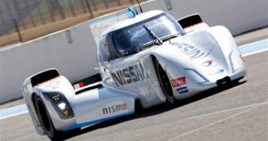 Dies ist das Elektrorennauto Nissan ZEOD RC. Bildquelle: Nissan