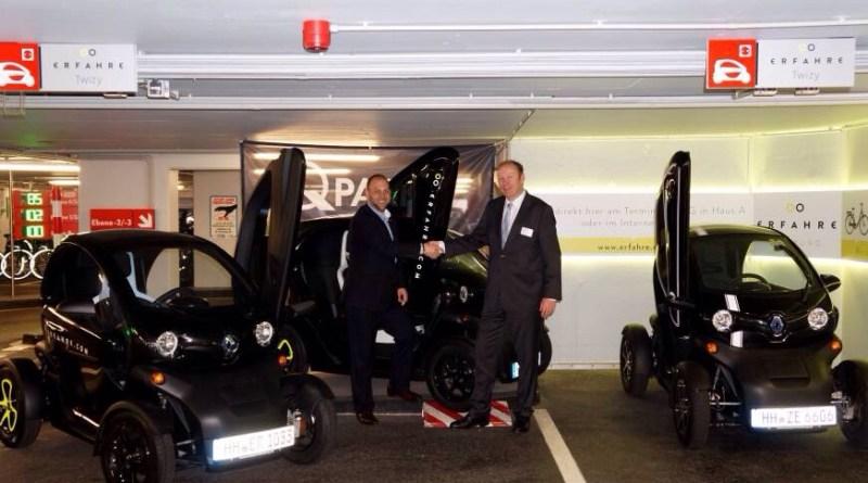 Twizy, Erfahre Hamburg, v.l.n.r., Florian Hampel, Geschäftsführer Evolte GmbH, Thomas Pilling, Geschäftsführer Renault Retail Group, 2014. Bildquelle: Renault