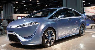 Das Brennstoffzellenauto Toyota FCV kommt 2015 auf den Markt. Bildquelle: Mariordo - Mario Roberto Durán Ortiz; Creative Commons)