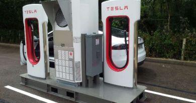 So sieht der temporäre Supercharger in Auxerre (Frankreich). Bildquelle: chargemap.com