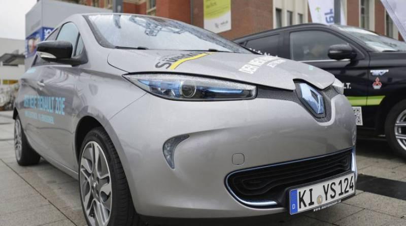 """Elektroauto Renault Zoe im Einsatz für das Projekt """"e-Pendler – elektromobil unterwegs"""". Bildquelle: Renault"""
