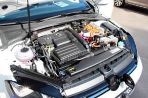 Plug-In Hybridauto VW Golf GTE links