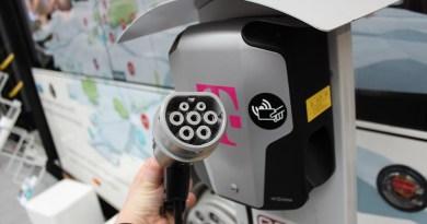Ladestation für Elektroautos - Telekom Cebit Stecker