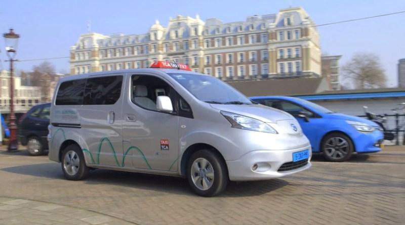 Elektroauto Nissan e-NV200 und Leaf. Bildquelle: Nissan