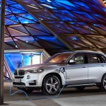 Plug-In Hybridauto BMW X5 xDrive40e. Bildquelle: BMW AG