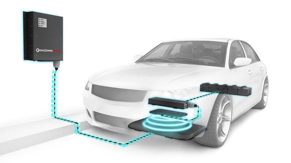 Qualcomm und Daimler arbeiten beim induktiven Aufladen von Elektroautos und Geräten im Fahrzeug zusammen. Bildquelle: Qualcomm