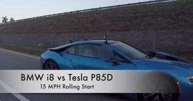 Elektroauto Tesla Model S P85D vs. Plug-In Hybridauto BMW i8. Bildquelle: DragTimes/Youtube.com