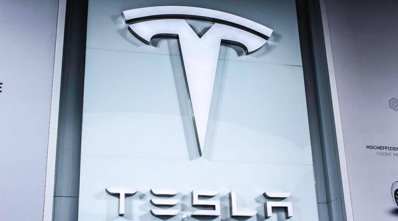 Elektroauto Tesla Motors Logo IAA 2015