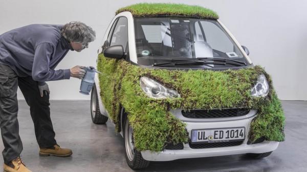 Bei Green Skin wird das Auto mit Pflanzen begrünt. Bildquelle: moovel / Daimler