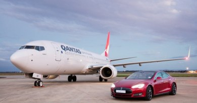 Elektroauto Tesla Model S P90D vs Boing 737. Bildquelle: Qantas