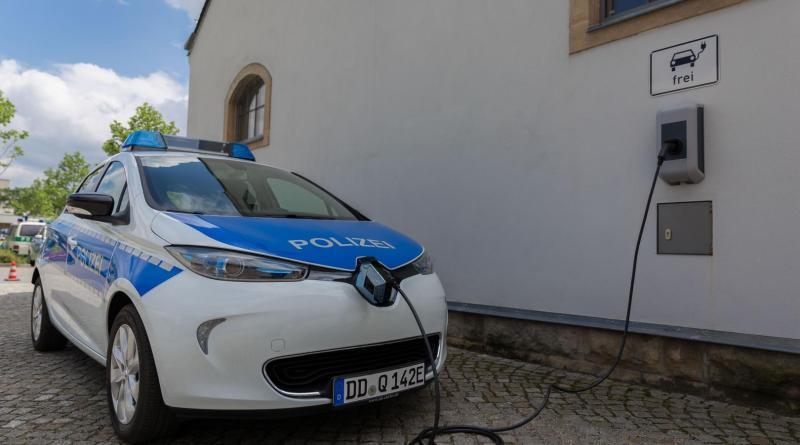 Die Polizei Sachen erhält 20 Elektroautos, hier sieht man das Elektroauto Renault ZOE. Bildquelle: Polizei Sachsen