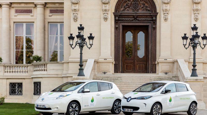 Die Elektroautos Nissan Leaf (links im Bild) und Renault Zoe gehören zu den weltweit am meisten verkauften Elektrofahrzeugen. Bildquelle: Renault-Nissan