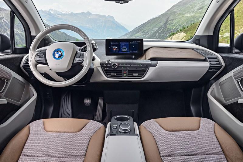Cockpit des Elektroauto BMW i3. Bildquelle: BMW