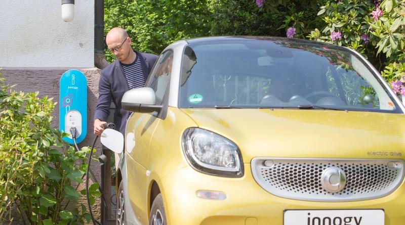 private Ladestation (die innogyebox) für Elektroautos, die geförderten Ladesäulen werden allerdings größer ausfallen. Bildquelle: innogy