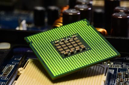 Symbolbild. Ein Prozessor. In Zukunft will Tesla KI Chips in seinen Elektroautos einsetzen. Bildquelle: © Dan74 - Fotolia.com