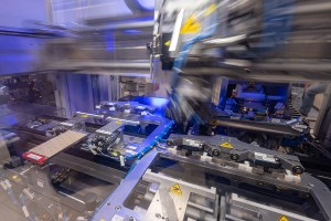 BMW Group Werk Dingolfing - Produktion Batterieeinheit. Bildquelle: BMW Group