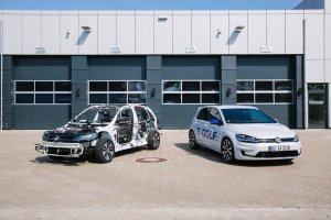 Schnittmodell für die Ideen Expo 2019. Der eGon (links) ist das Schnittmodell des Elektroauto VW e-Golf. Bildquelle: Volkswagen AG
