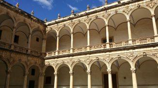 Innenhof Colegio Diocesano Santo Domingo