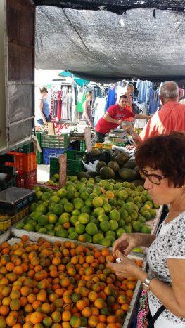 Obst und Gemüsestände