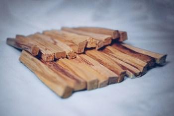 20 Palo Santo Sticks der Besten Qualität. Kernholz. Das Herz des Baumes.