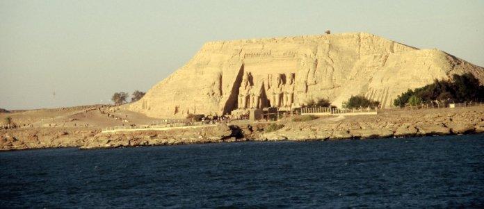 Letzter Blick auf Abu Simpel vom Schiff aus