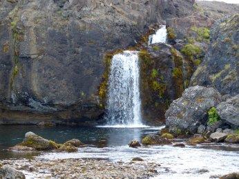 Ein weiterer Wasserfall im Westen - Island