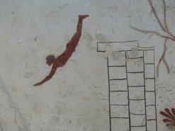 Der weltbeühmte Tuffatore (Taucher), über 2000 Jahre alt