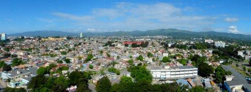 Blick auf Santiago de Cuba