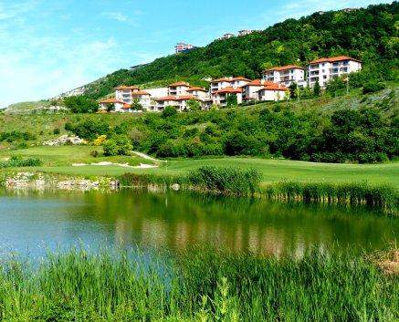 Blick auf Hillside Village Im Thracian Cliffs Resort