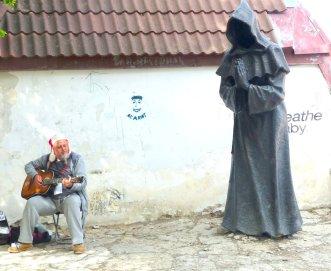 Sänger mit Mönch