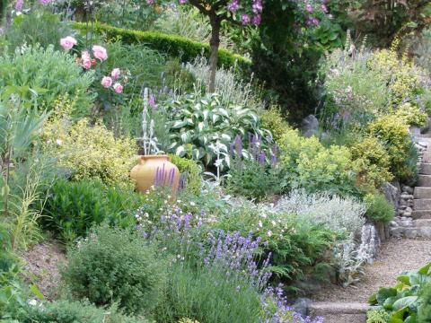 garten terrassenförmig anlegen hanggarten - planen, anlegen und tipps - mein schöner garten