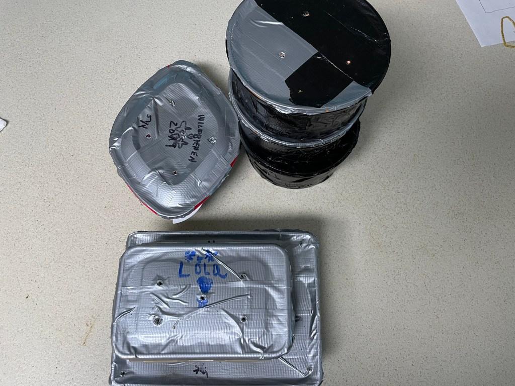 Verschlossene Kokon Behälter