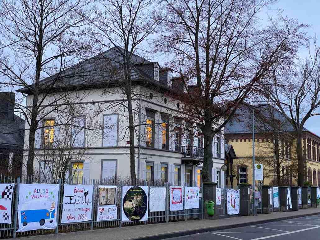 Kurfürst-Balduin-Gymnasium Abiplakate am Zaun