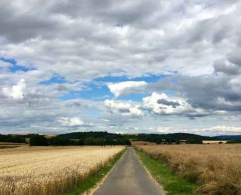 Wolken über dem Maifeld