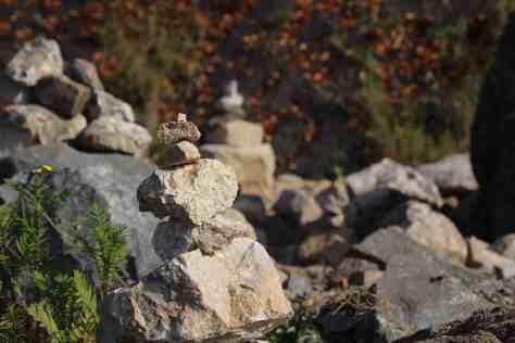 Steinmännchen basteln auf dem Gerolsteiner Felsenpfad