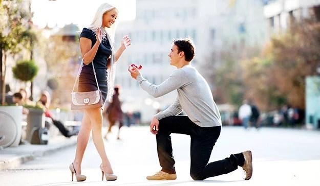 Der Perfekte Heiratsantrag Lee Loechler Schneidet Sich Selbst In