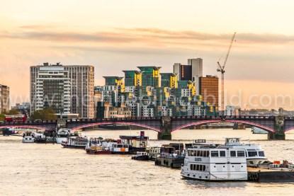 London Foto Themse Hafen auf Leinwand, Alu Dibond, Wandbild