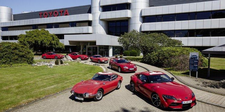 Korso der Sportwagen-Legenden: Toyota beim 24-Stunden-Rennen am Nürburgring , Exquisite Highlights aus der Motorsporthistorie - Motorsport