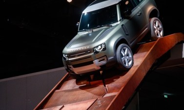 Land-Rover-Defnder