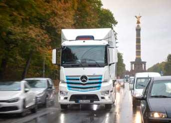 Daimler Trucks & Buses strebt komplett CO2-neutrale Neufahrzeugflotte bis 2039 in wichtigsten Regionen an