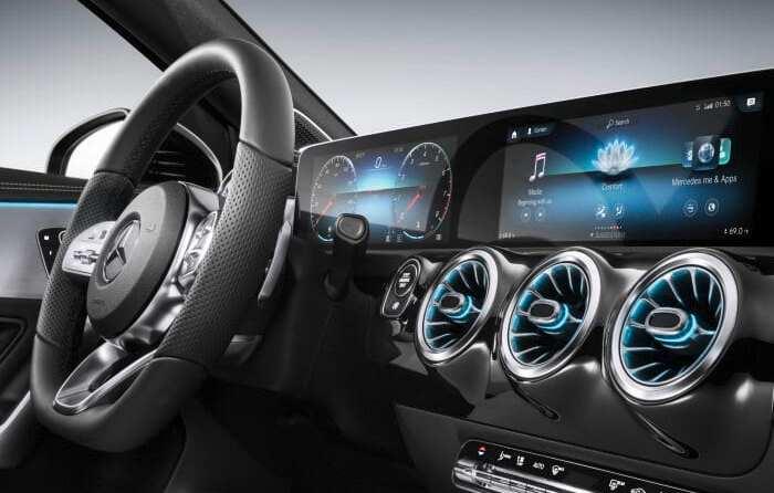 Studie des Center of Automotive Management: Mercedes-Benz innovationsstärkste Premiummarke