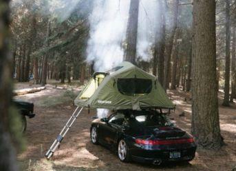 Porsche 911 mit Dachzelt