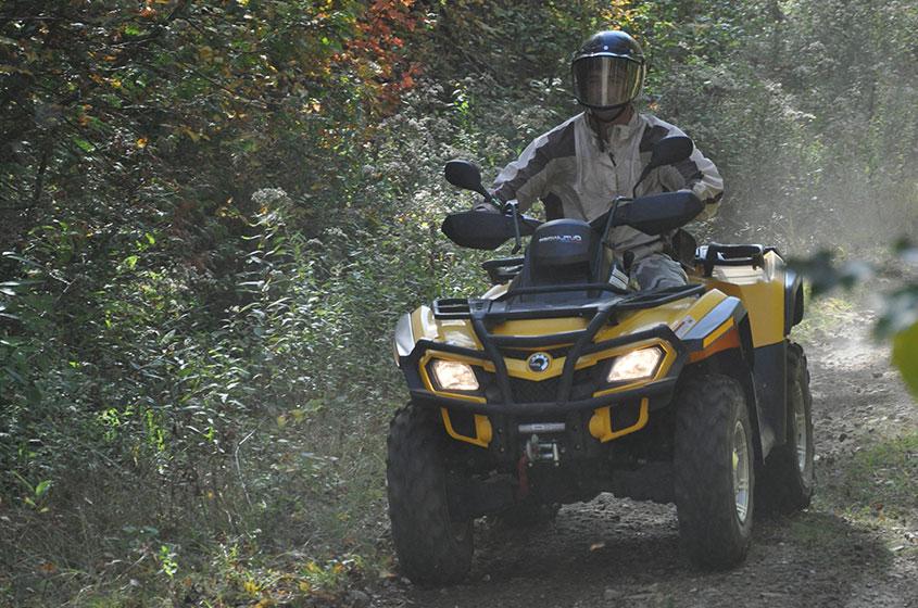 Faites du Quad sur les sentiers quad à la Pourvoirie Mekoos